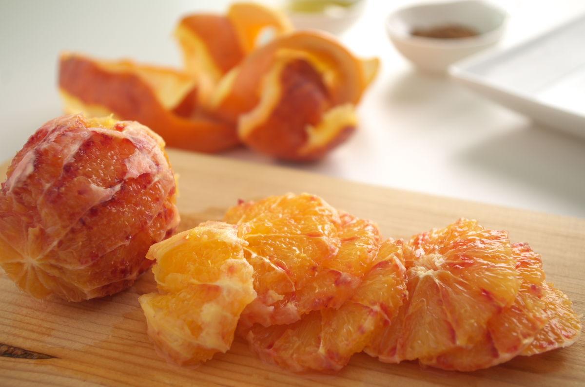 Naranja Sanguina cortada para Naranja Sanguina con Aceite de Oliva Extra Virgen y 5 Especias Chinas