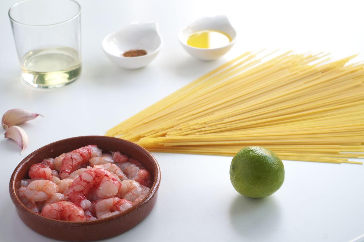Ingredientes para Espagueti con Gambas